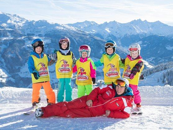 Kinderunterricht mit der Skischule Optimal