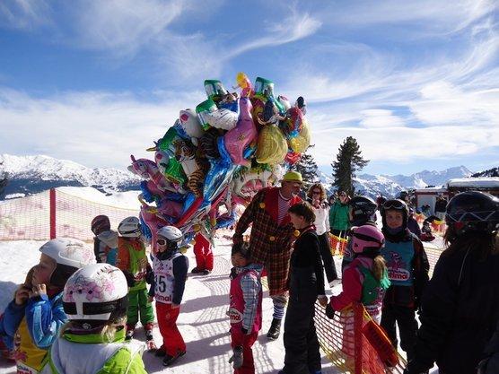 Skiunterricht, der Spaß macht