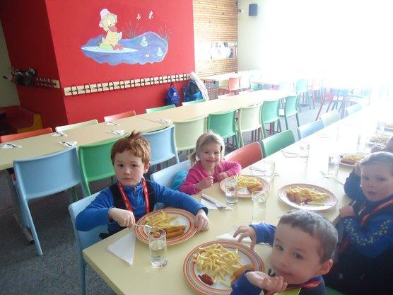 Skischule mit Mittagsbetreuung